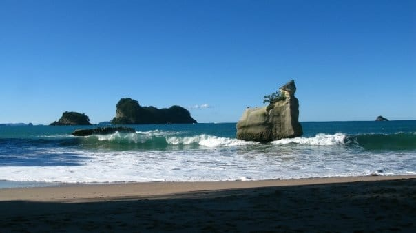 Travel to Cathedral Cove, New Zealand