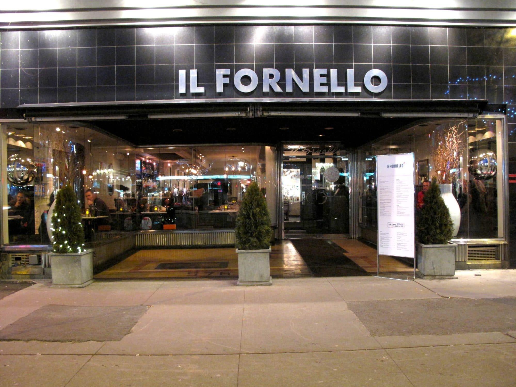 Step inside Il Fornello Danforth.
