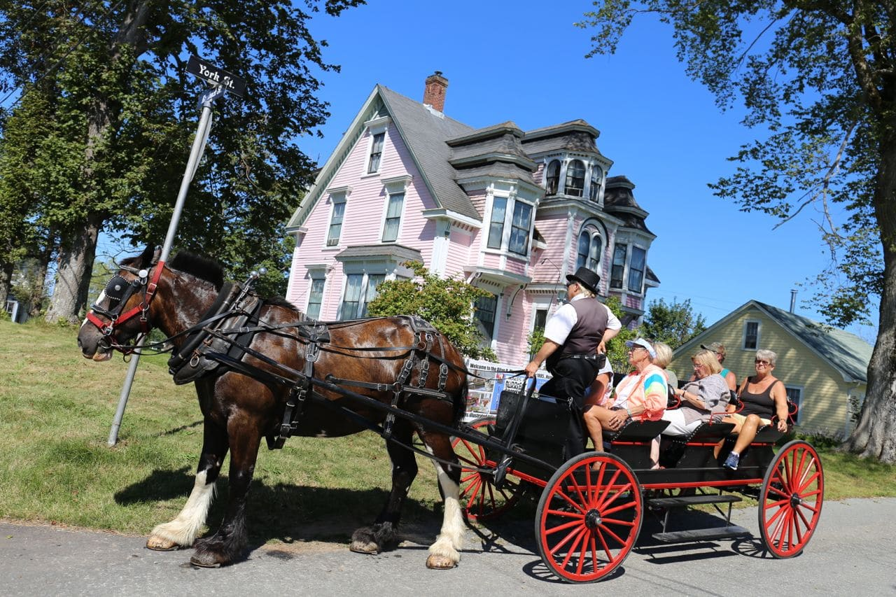 Canadian Road Trip Must-Do: A historic architectural tour of Lunenburg.