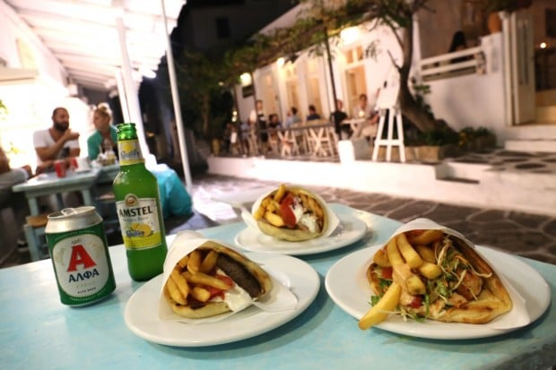 Sakis Grill House in Mykonos