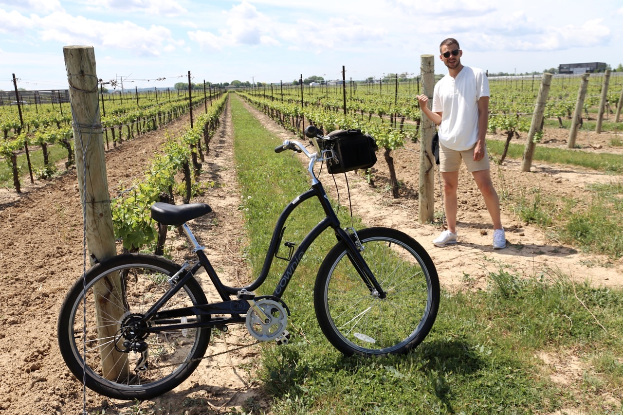 Enjoy an active holiday by cycling between wineries in Niagara on the Lake.