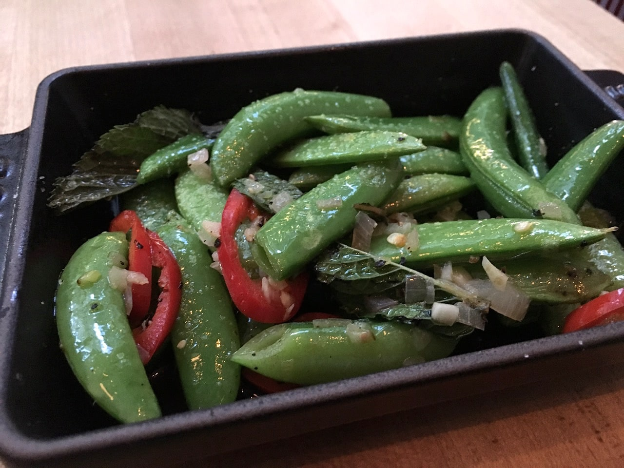 Locale Mercatto: Snap Peas with peperoncini, mint