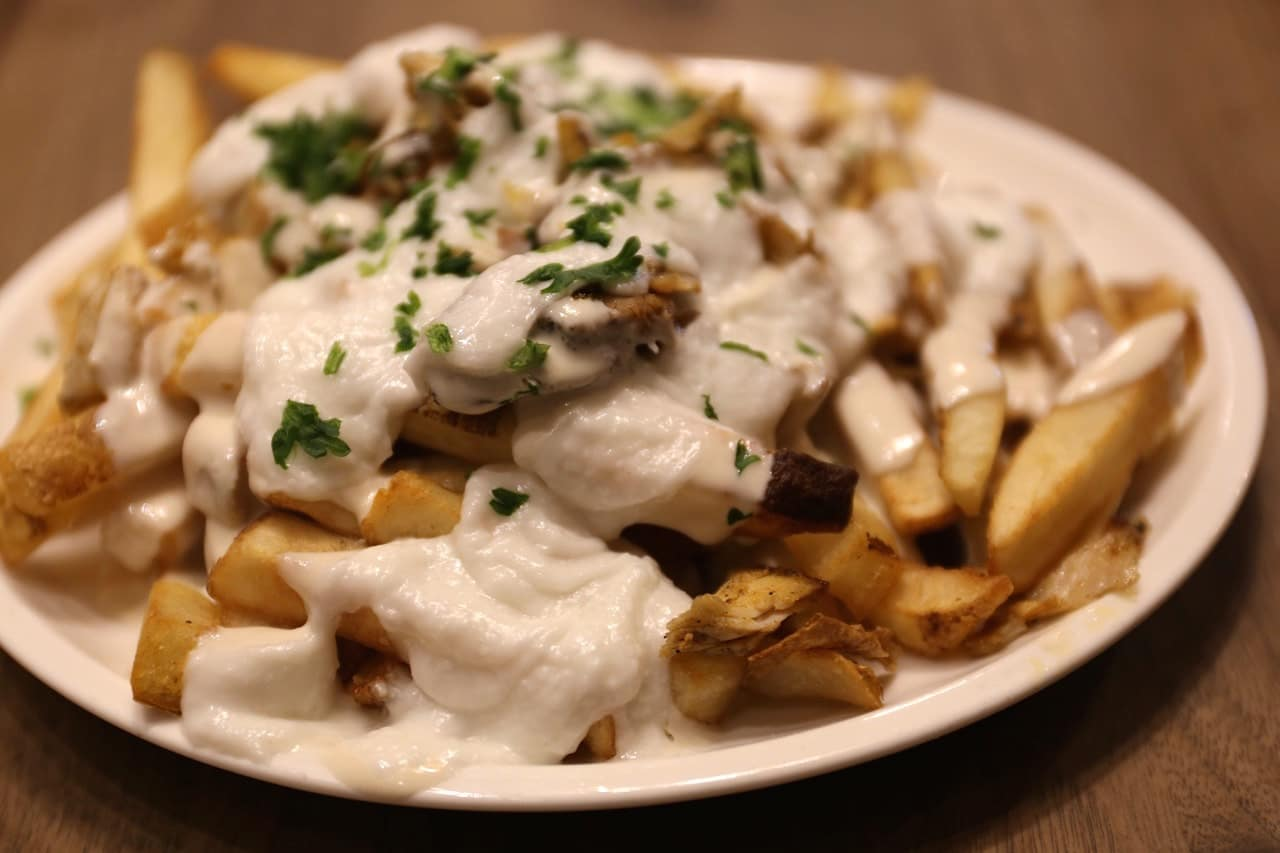 Paramount Fine Foods is Yorkville's best casual Middle Eastern restaurant.