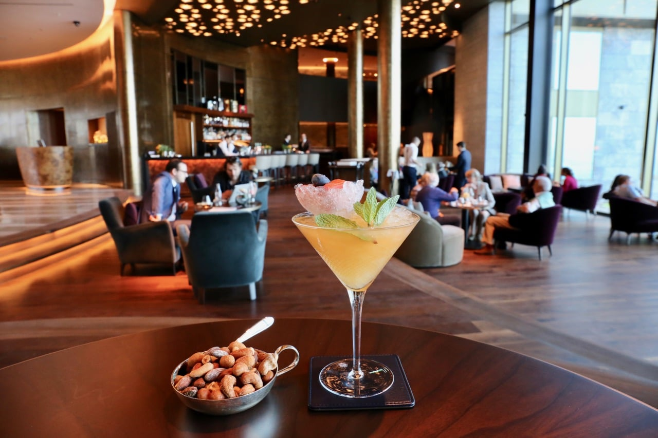 Craft cocktails are served at Lake View Lounge & Bar.