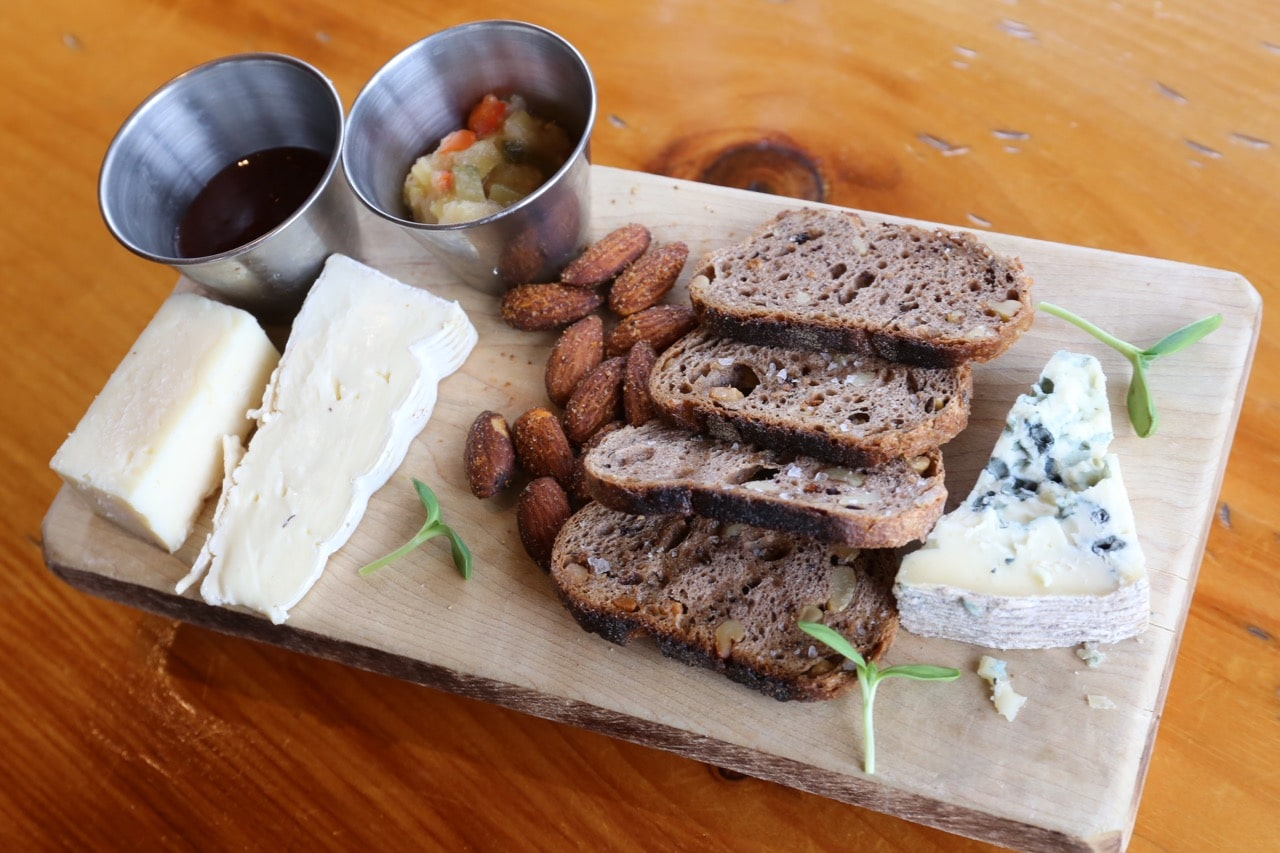 Enjoy a farm to table brunch at Ravine Vineyards.