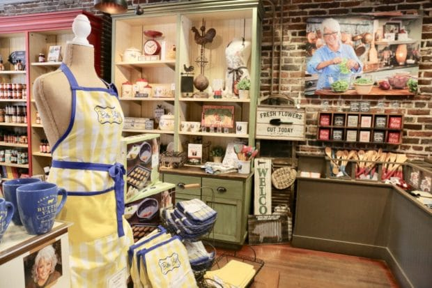 Paula Deen's The Lady & Sons Restaurant in Savannah