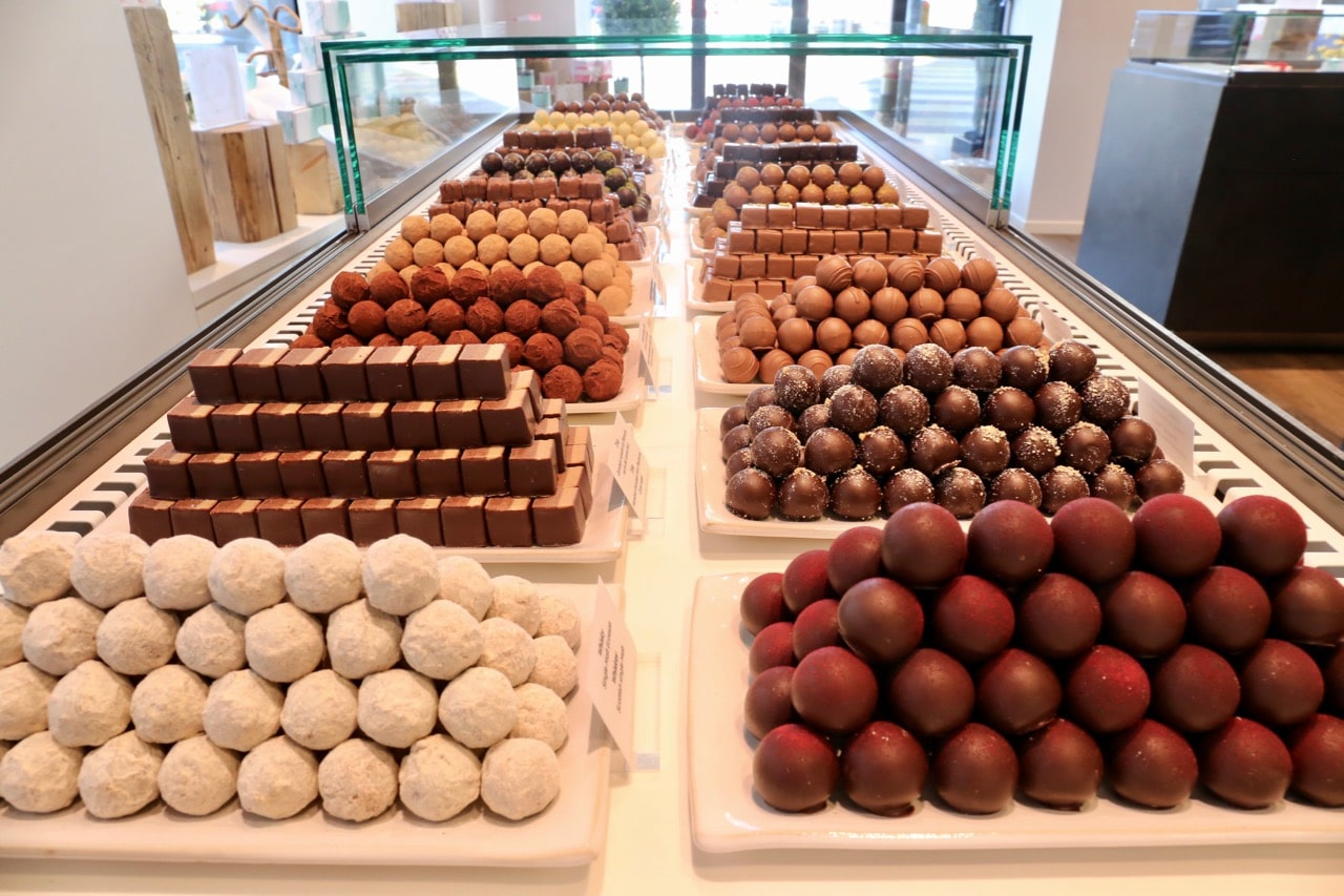 Chocolate Shops in Switzerland: Indulge at Sweetzerland in Geneva.