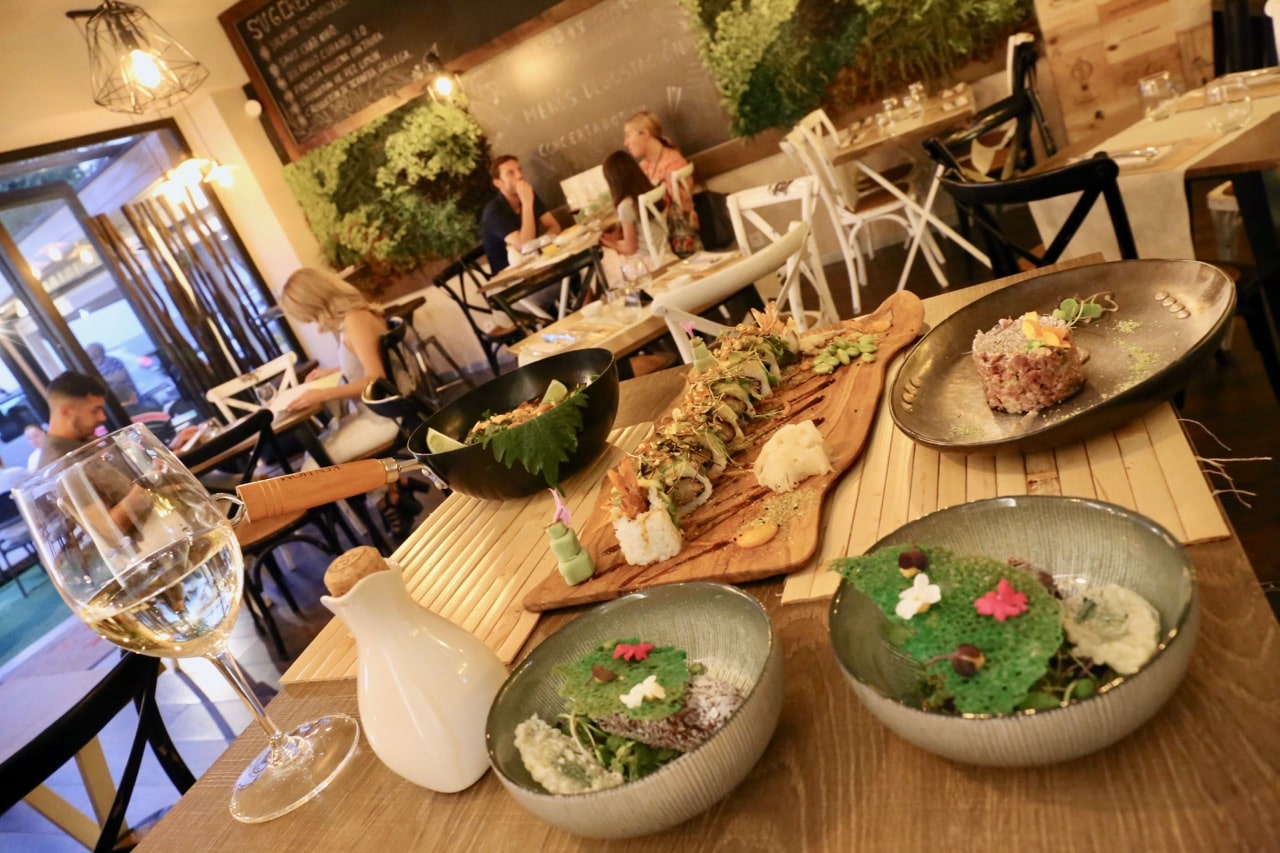 Enjoy a romantic dining experience at Kibo Gastrobar in Malaga's gay neighbourhood.