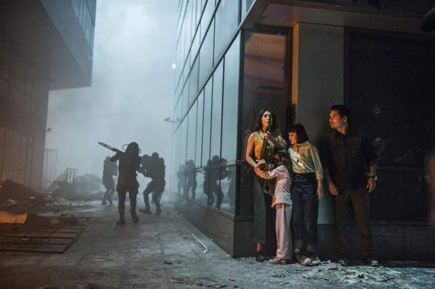 Alien Invasion Nightmares Come True in Netflix's Extinction