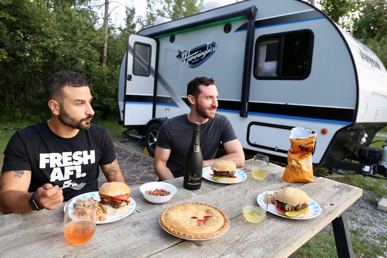 Wasaga Beach Camping: enjoy an al fresco feast on an RV campsite.