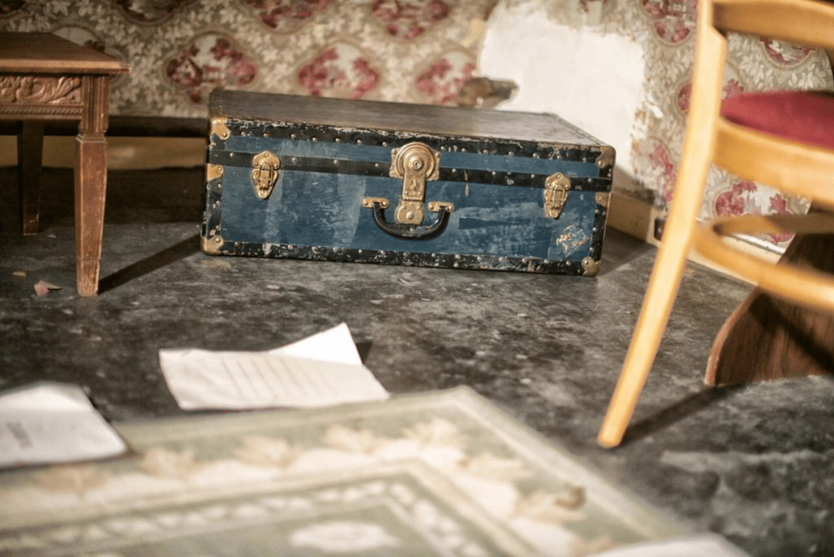 Toronto Escape Rooms: A simple briefcase at Captive Escape? Or a crucial key to escaping a precarious situation?