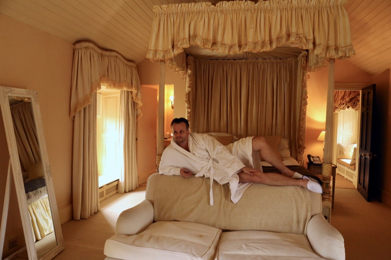 The best Honeymoon in Ireland features a swanky sleep under a posh four poster bed.
