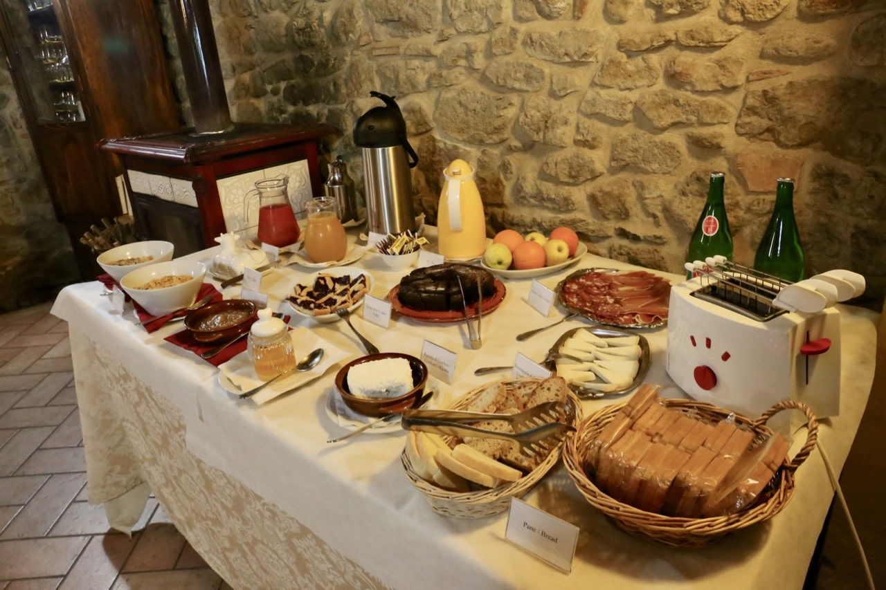 Breakfast on the Fattoria Lischeto farm.