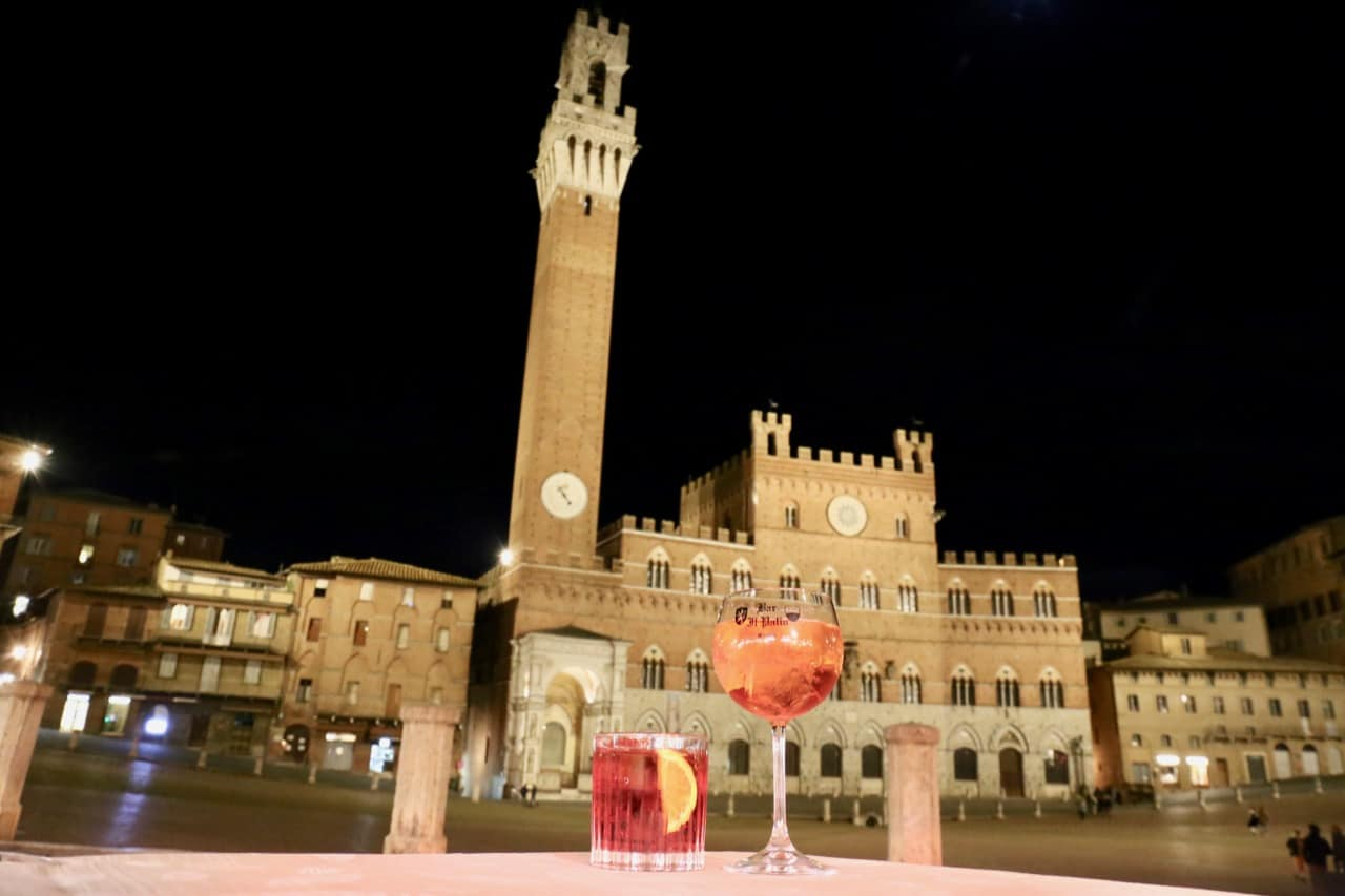Late night aperitvio cocktails in Siena at Piazza del Campo.