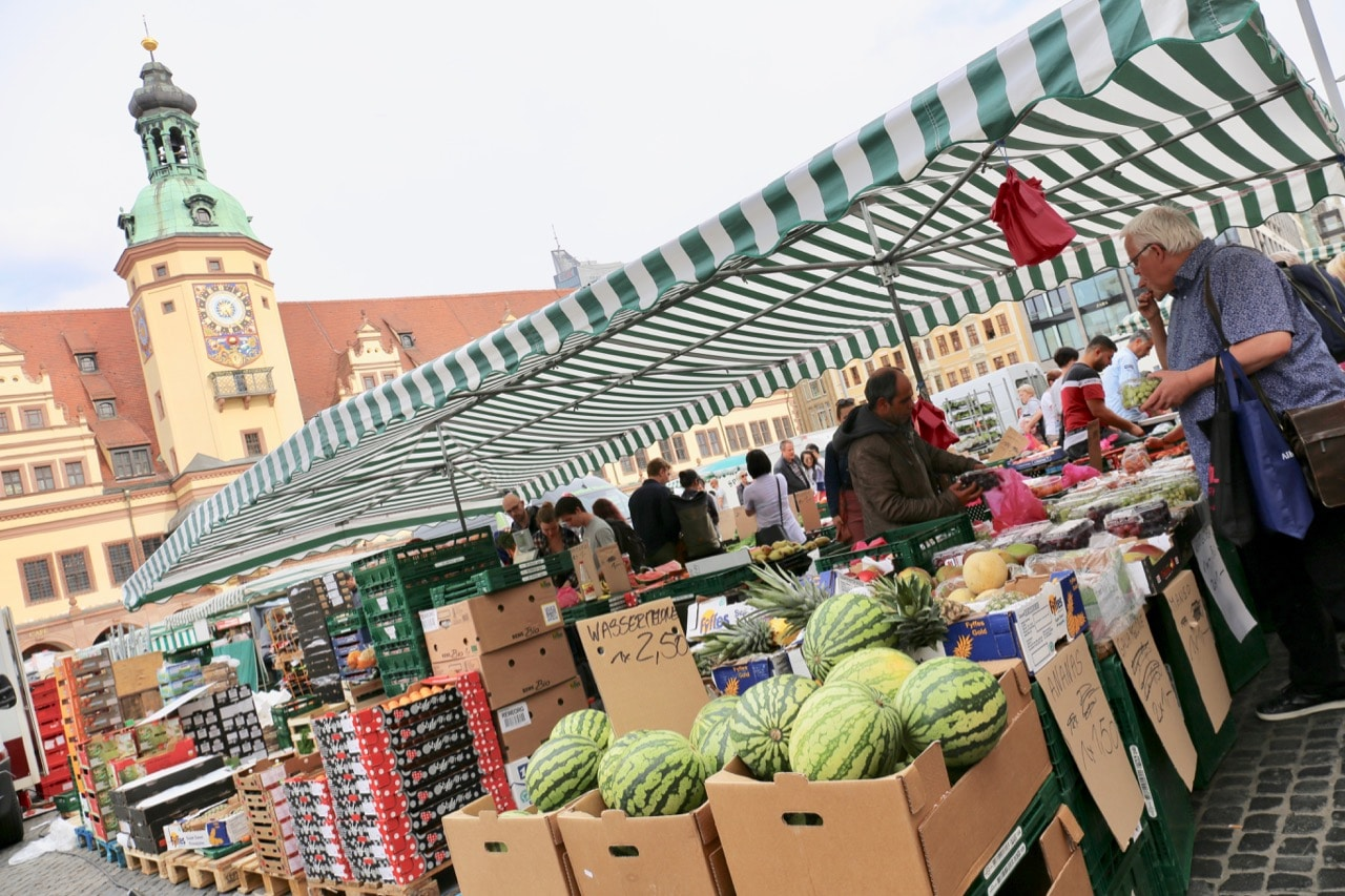 See what's fresh on the farm at the bi-weekly food market in Marktplatz.
