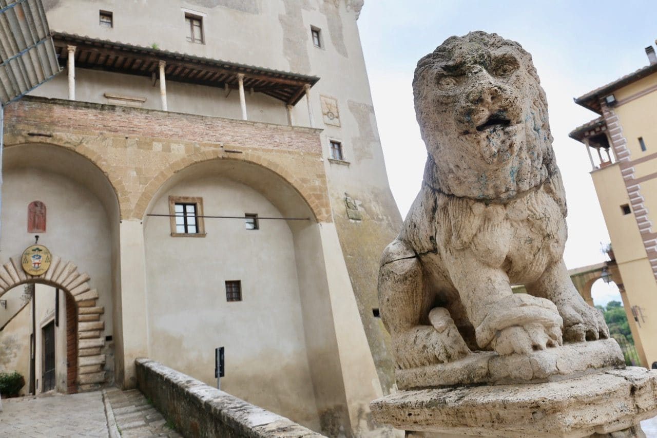 Wander through the Old Town and enjoy a tour of the Orsini Palace.