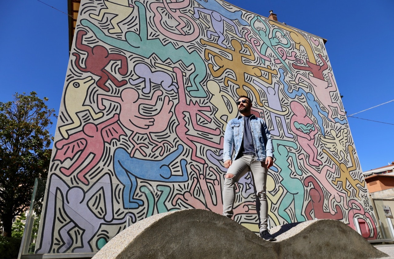 The Tuttomondo graffiti mural by Keith Haring is one of the most popular contemporary Pisa attractions.