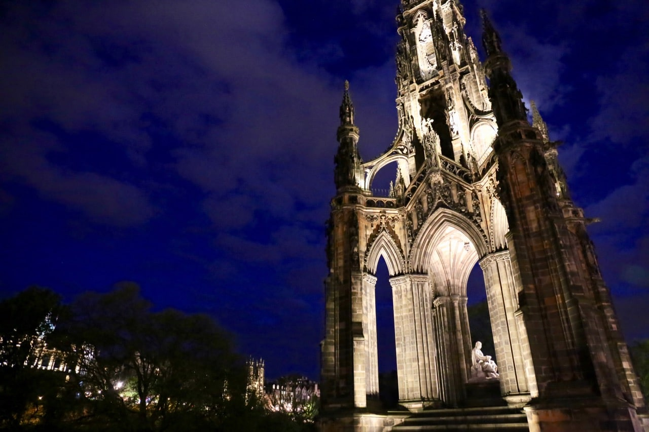 Strolling along Princess Street to the Scott Monument is one of our favourite things to do in Edinburgh at night.
