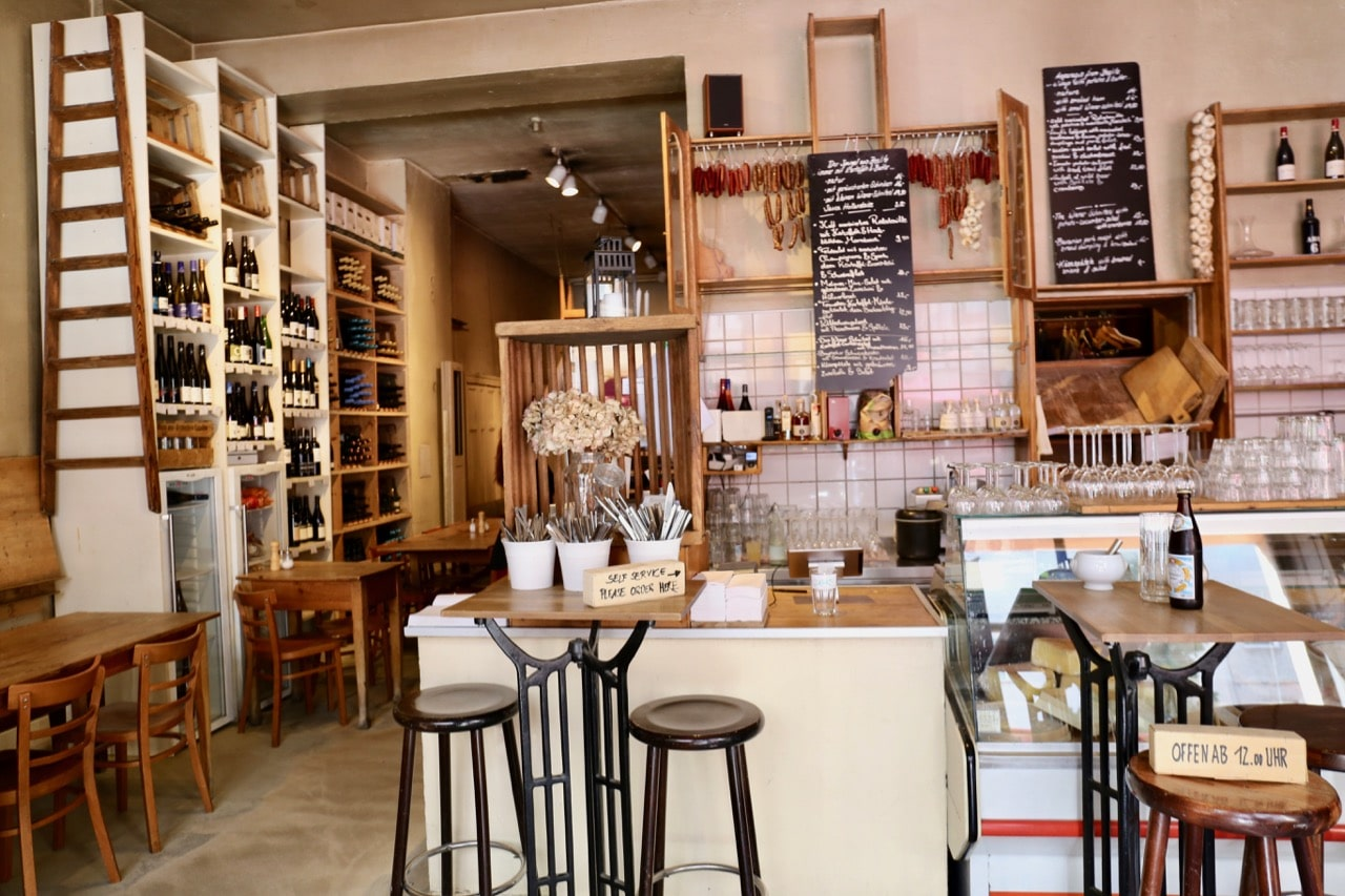 Berlin Food Tour: Enjoy lunch at Lebensmittle in Mitte to sample traditional German dishes.