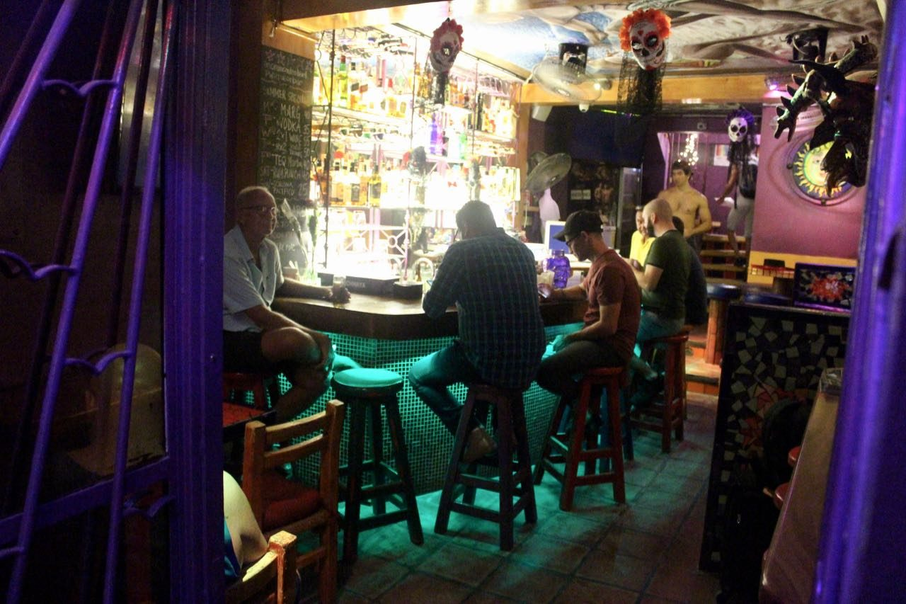 Anonimo Video Bar is a small, hole-in-the-wall gay bar in Zona Romantica.