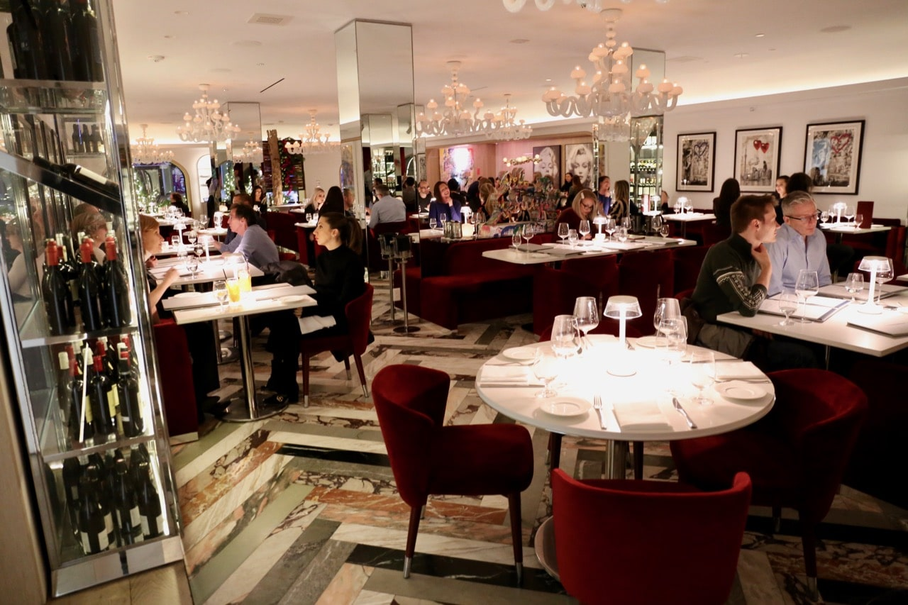 Looking for romantic Yorkville restaurants? Step inside Sofia's luxurious dining room.