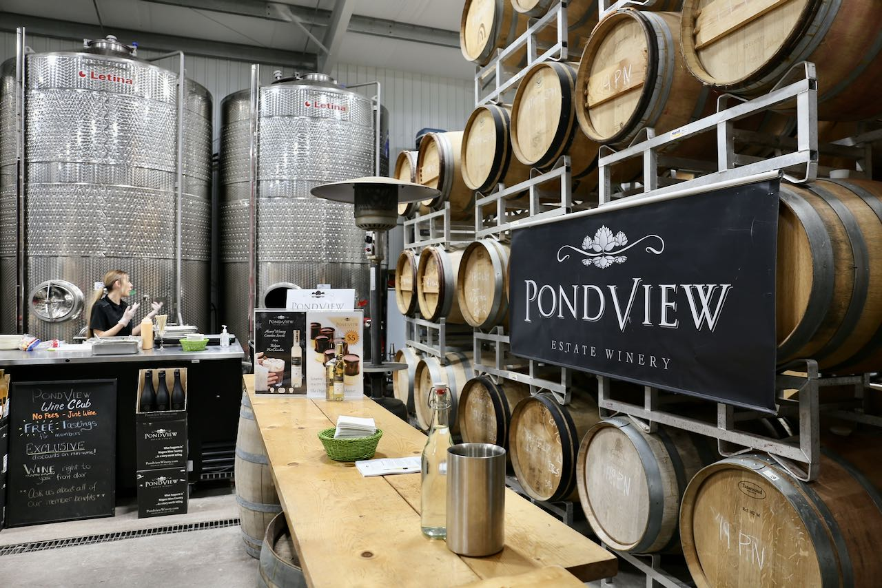 Niagara on the Lake Wineries: Pondview offers a special tasting during the Icewine Festival.