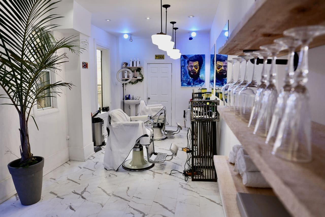 Miami Fades is the best barber shop in Yorkville.