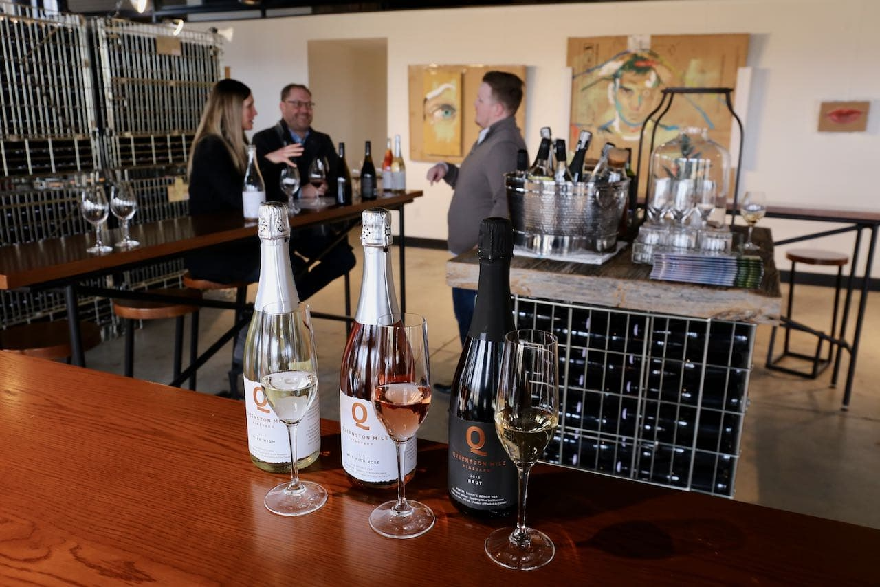 Niagara on the Lake Wineries: Sip sparkling at Queenston Mile Vineyard.