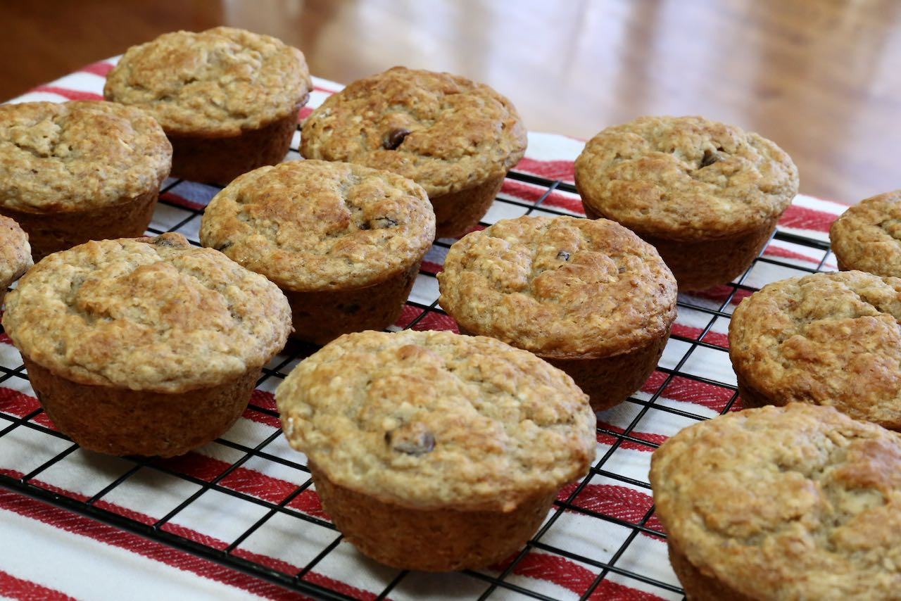 Best Healthy Homemade Banana Oat Chocolate Chip Muffins