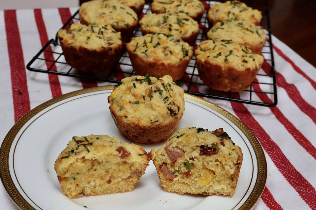 Serve your muffins with ricotta, butter or honey.