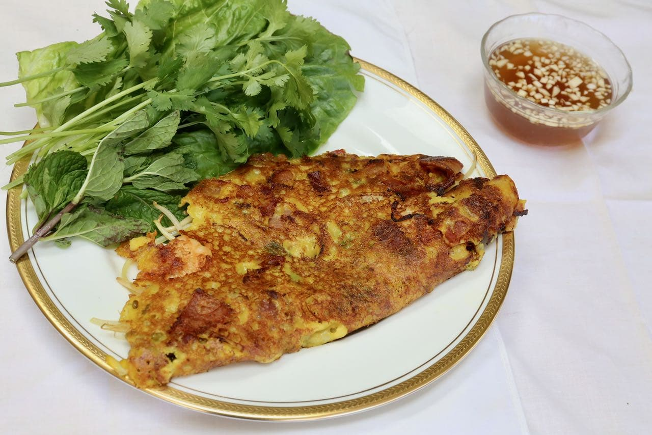 How To Make Vietnamese Crepe Bánh Xèo