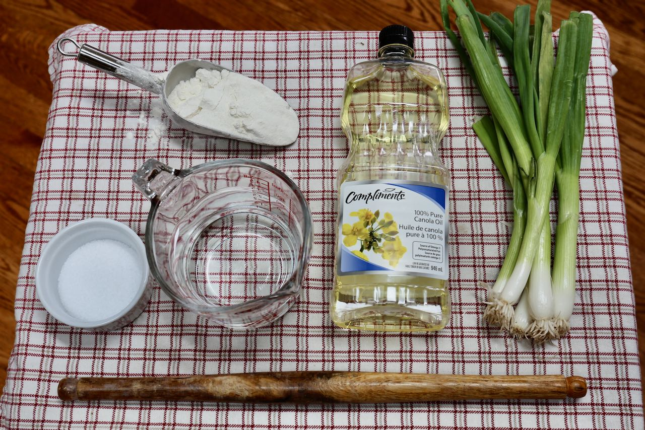 Ingredients you'll need to make Green Onion Cake.