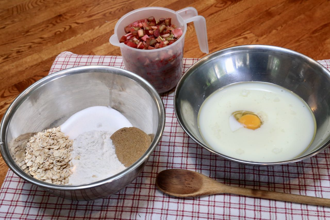 Healthy Rhubarb Muffins: Mix dry ingredients and wet ingredients in separate bowls before combining.
