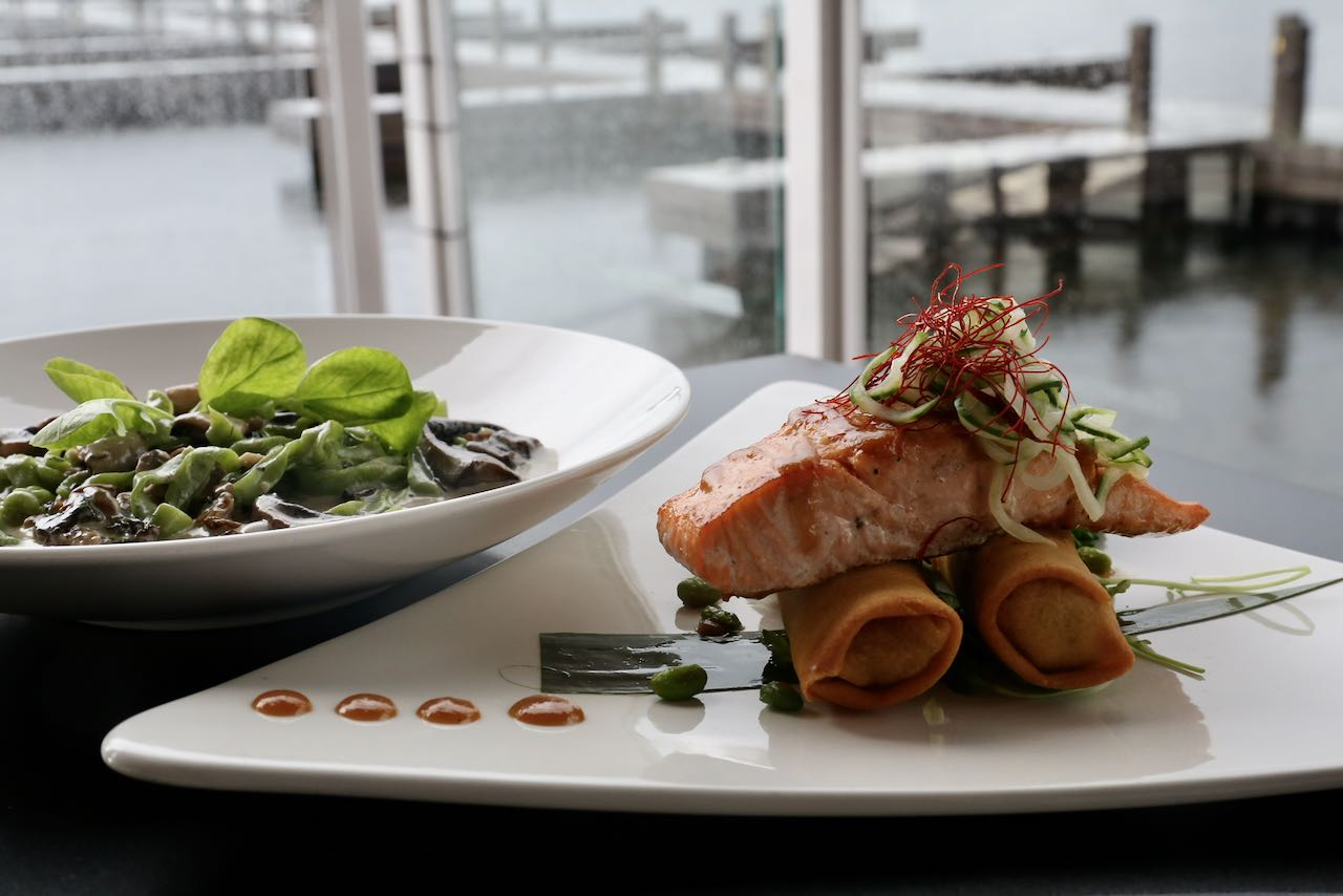 Dock of the Bay is an upscale Gravenhurst restaurant with a large patio serving seafood & steaks.