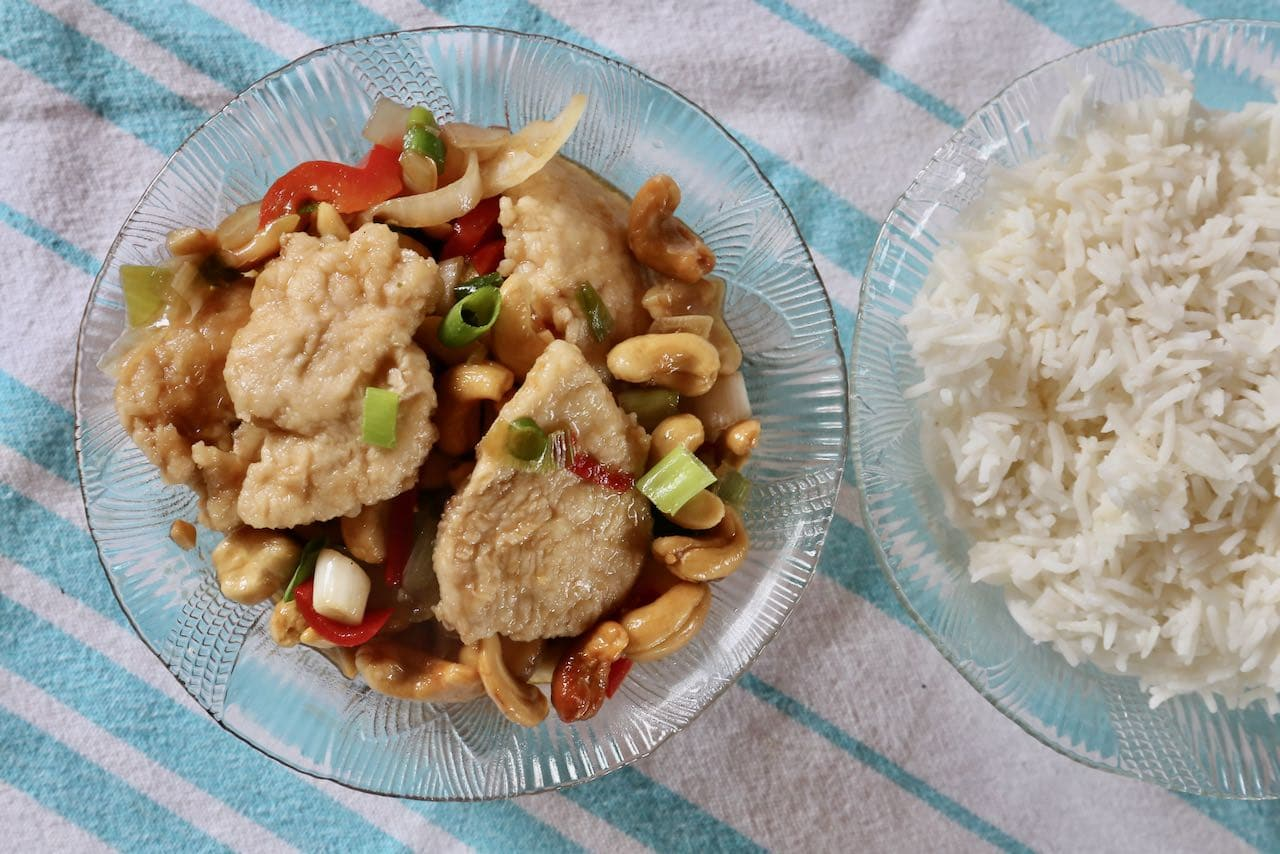 Serve Gai Pad Med Mamuang with steamed jasmine rice.