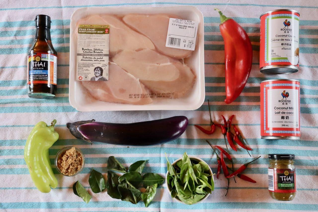 Ingredients you'll need to make homemade Gaeng Keow Wan.