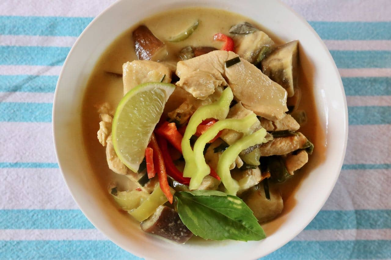 Gaeng Keow Wan: Thai Green Curry Chicken Recipe