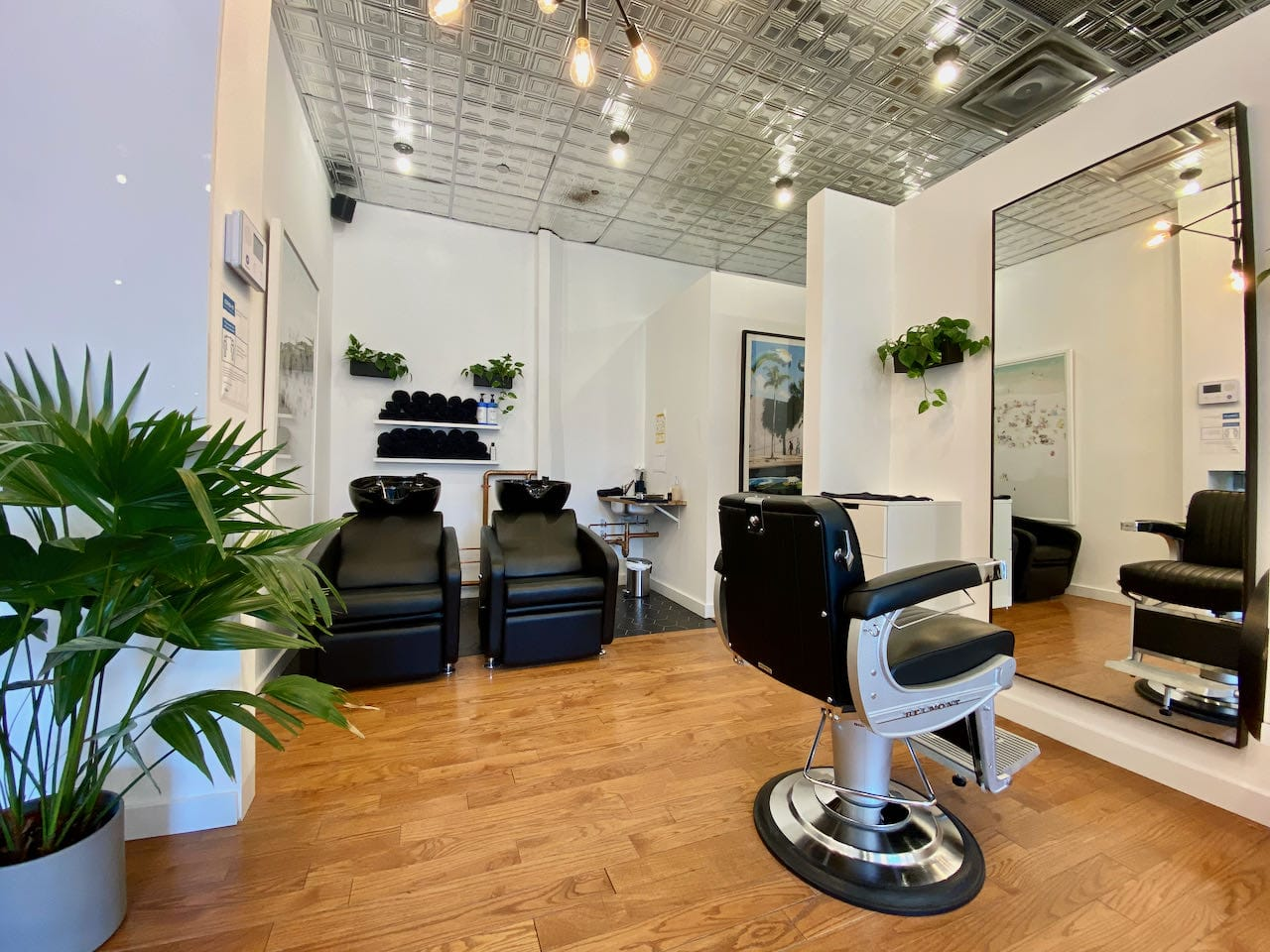 Bruno Rosales is a French-inspired downtown Toronto barber shop offering facials, pedicures and more!