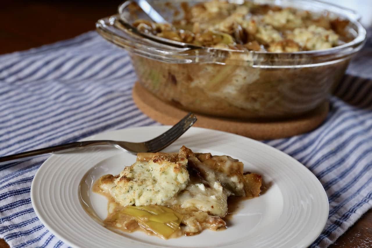 Serve cheesy leeks with roast turkey, braised beef or roast duck.