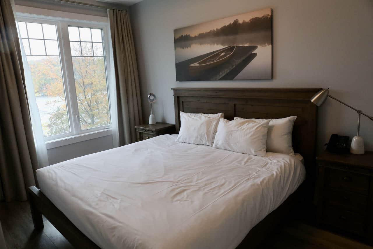 Muskoka Hotels: Chic contemporary Lakeside Lodge suite at Deerhurst Resort in Huntsville.