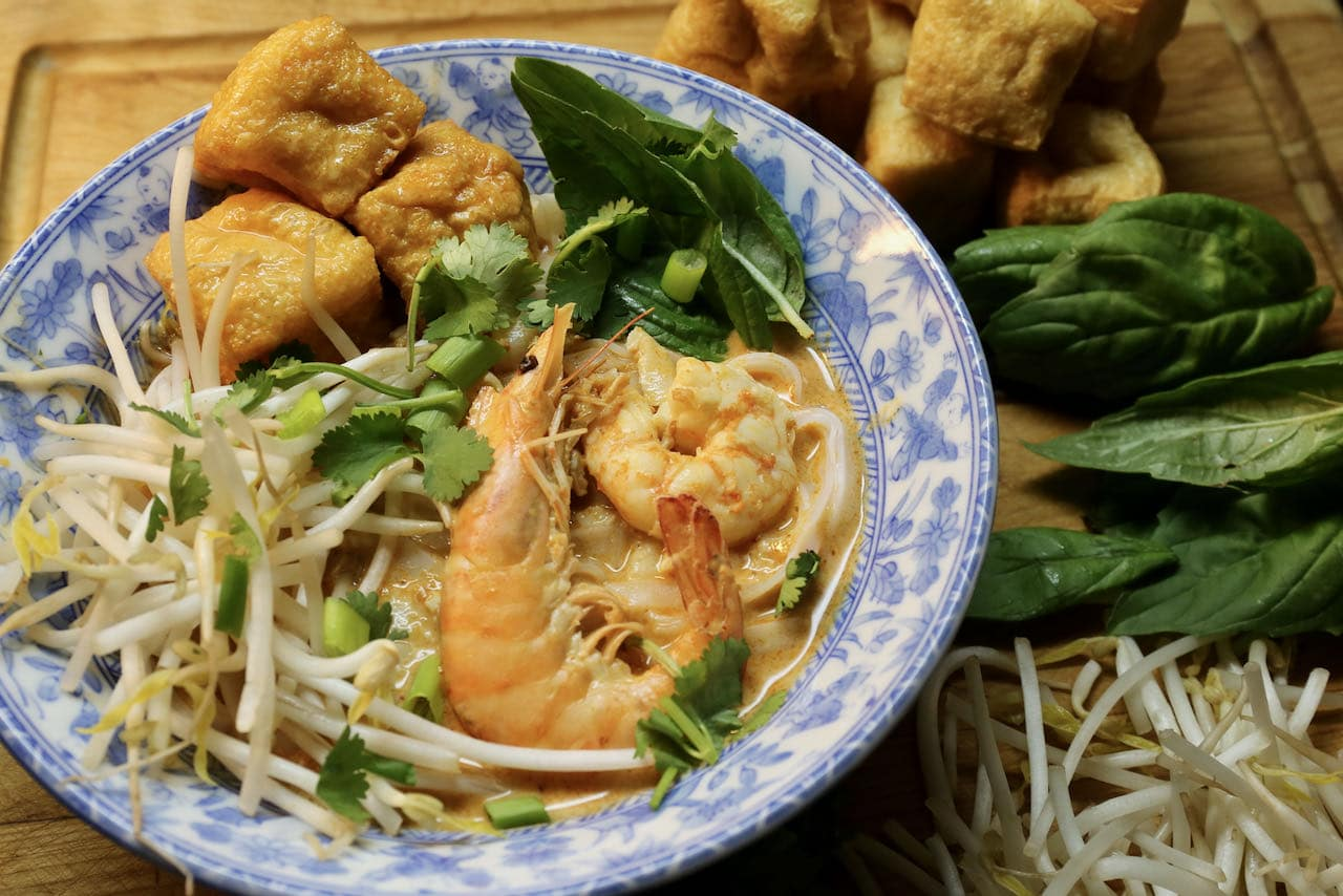 Seafood Laksa: Singaporean Shrimp & Fish Soup Recipe