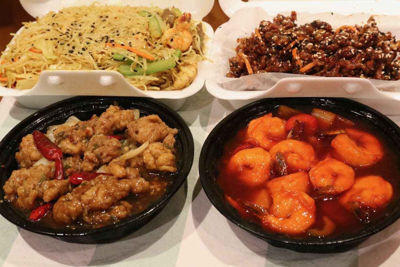Enjoy delicious Thai and Chinese takeout at Oakville restaurant Asian Fusion 168.