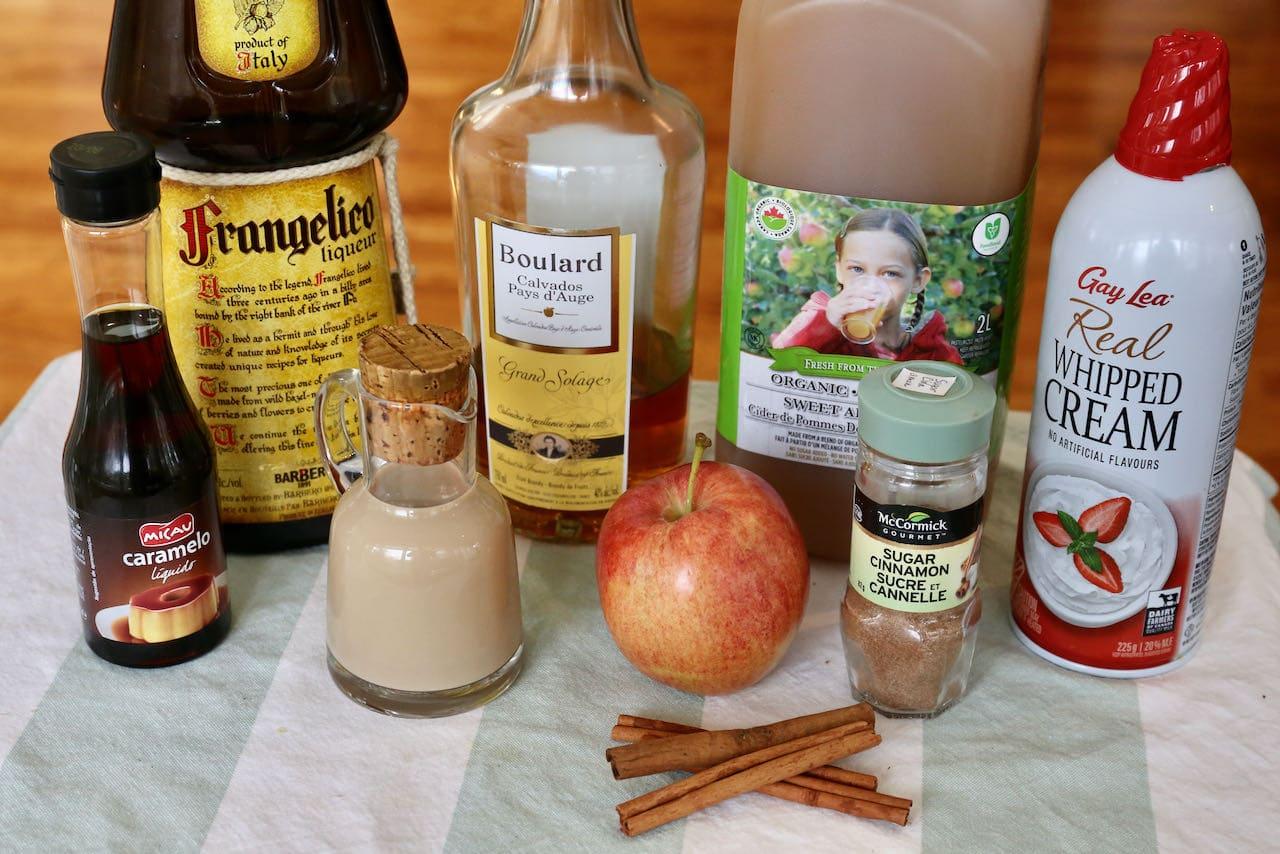 Baileys Apple Pie Cocktail ingredients.