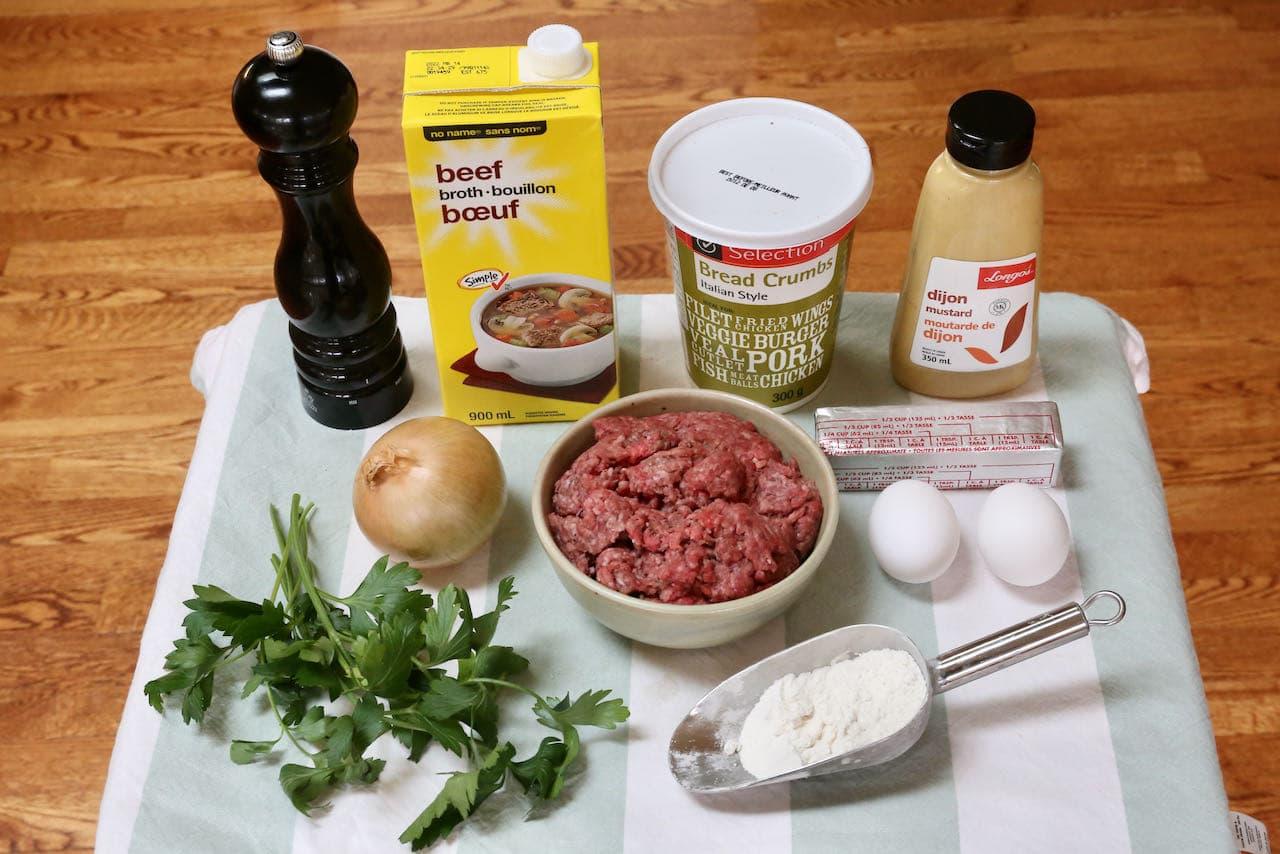 Traditional Bitterballen recipe ingredients.