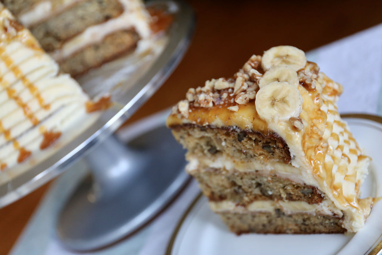 Now you're an expert on how to make the best Banoffee Cake recipe!
