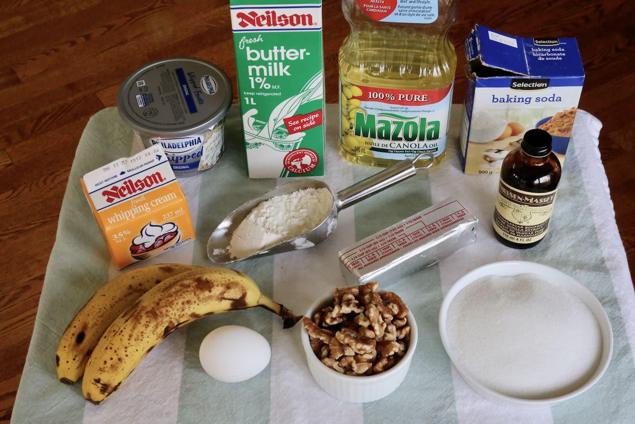 Banoffee Cake ingredients.