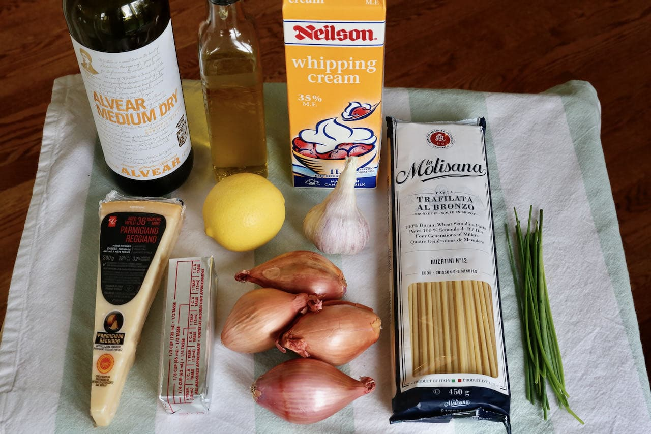 Caramelized Shallot Pasta recipe ingredients.