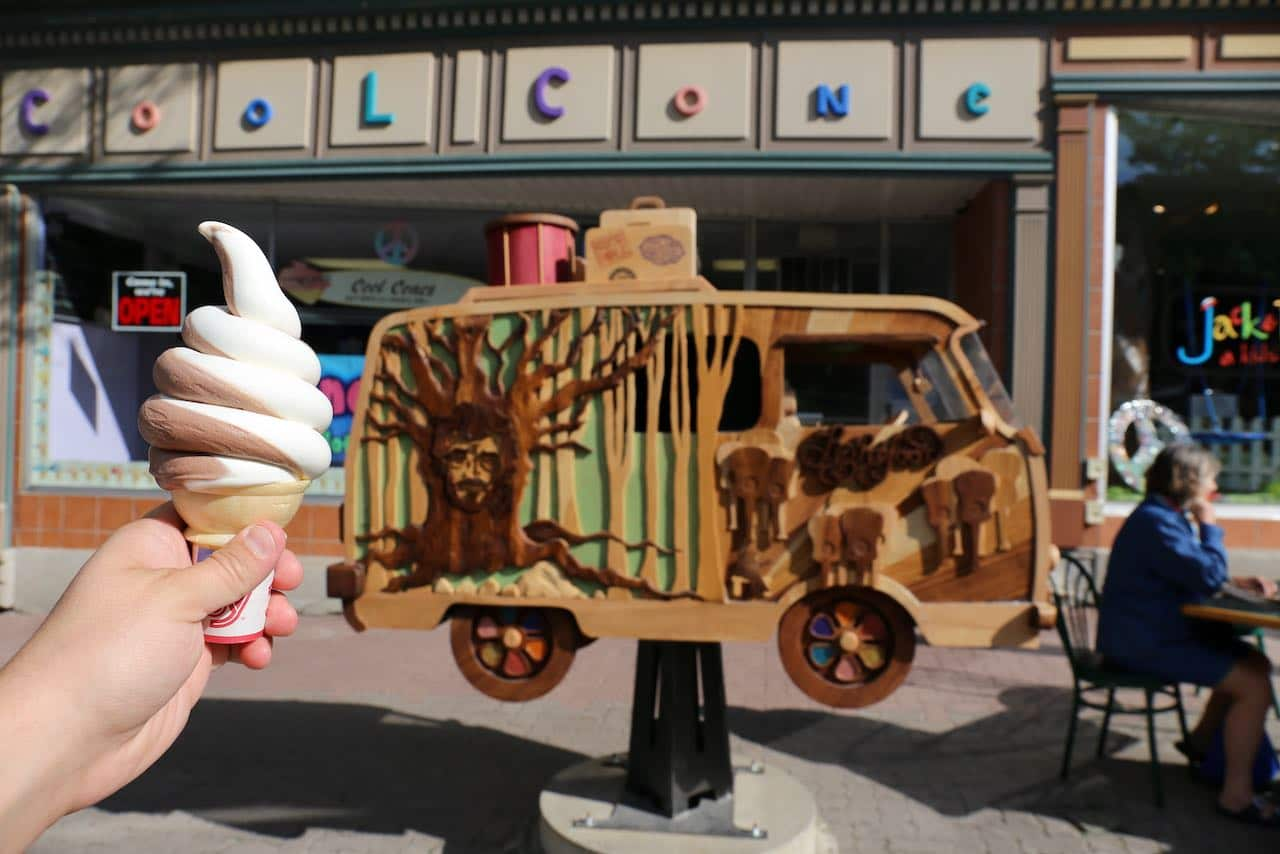Cool Cones is an old school soft serve ice cream parlour.