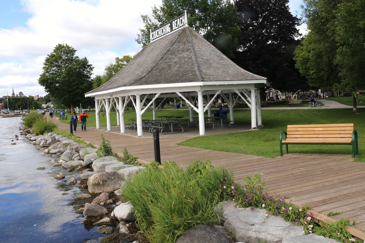 Outdoor Orillia Attractions: Enjoy a stroll along Couchiching Beach Park.
